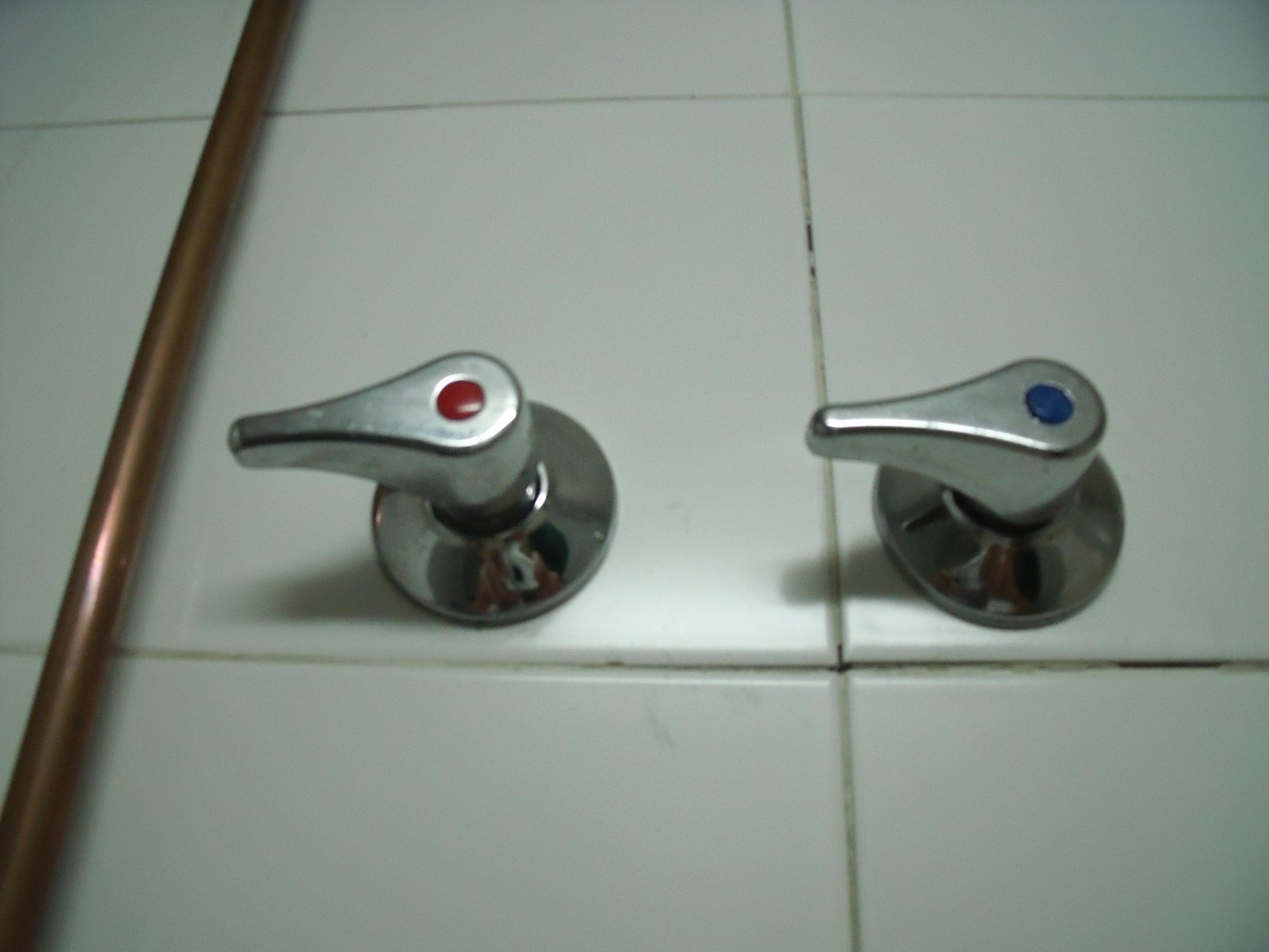 Como cambiar un grifo de ducha alquiler bricotaller for Como cambiar el vastago de la ducha